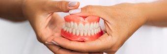 Konforlu ve doğal görünümlü diş protezleri